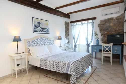 SELF: Apartments in Cefalu