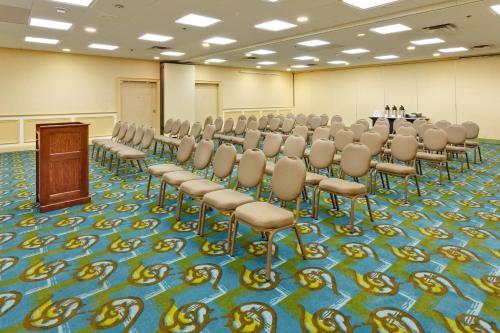 Holiday Inn Norwich - Norwich, CT CT 06360