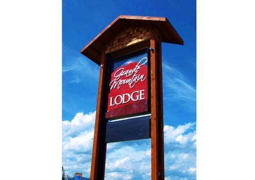 . Grande Mountain Lodge