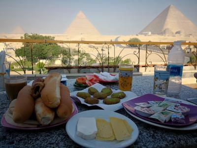 Pyramids View Inn - image 3