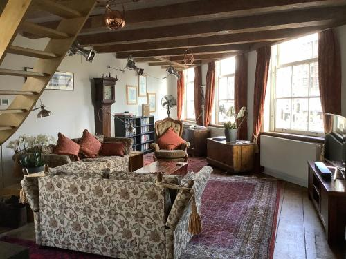 Former Rembrandt workshop two bedroom B&B