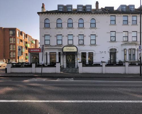 Pembury Hotel At Finsbury Park