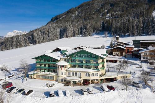 Фото отеля Wohlfuhlresort und Feriengut Martinerhof
