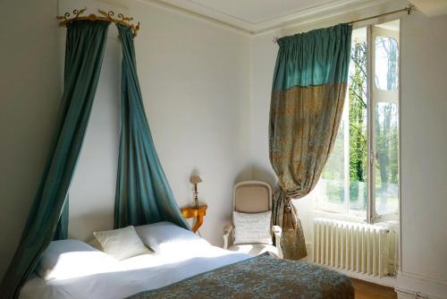 . Château - Hôtel Le Sallay
