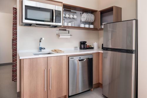 . Home2 Suites By Hilton Denver Downtown Convention Center