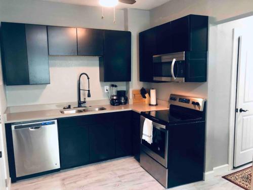 Apt 103 - Apartment - McPherson