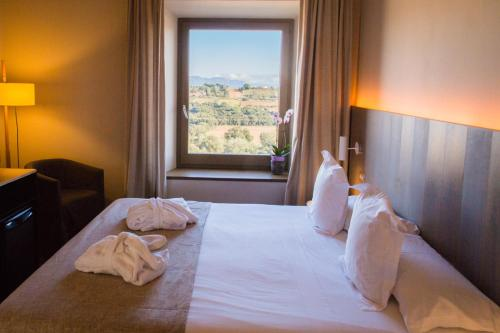 Superior Double or Twin Room Hotel Mas Bosch 1526 4
