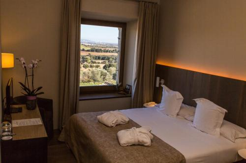 Superior Double or Twin Room Hotel Mas Bosch 1526 5