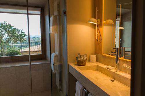 Suite with Terrace Hotel Mas Bosch 1526 10