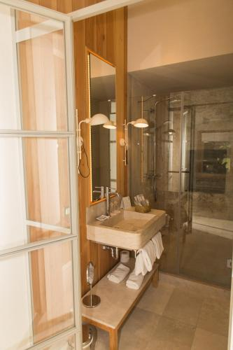 Superior Double or Twin Room with Terrace Hotel Mas Bosch 1526 4