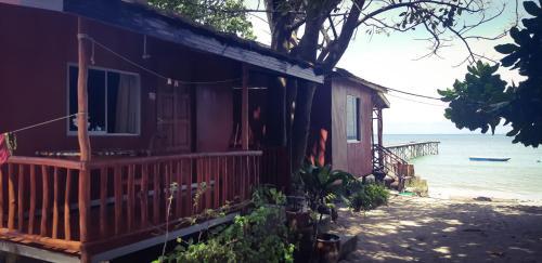 Tajau Laut Guesthouse
