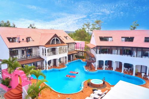 . The Pool Resort OKINAWA