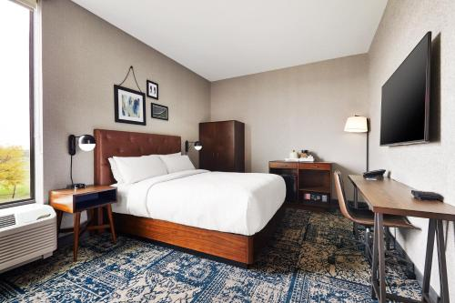 Four Points by Sheraton Chicago Westchester/Oak Brook - Westchester, IL IL 60154