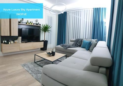 Azure Luxury Sky Apartment - Hotel - Skopje