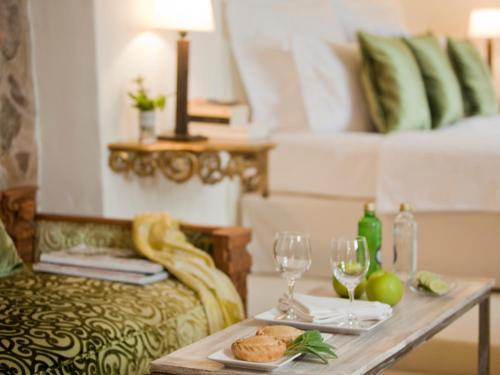 Doppelzimmer mit direktem Zugang zum Garten Hotel & Restaurant Jardi D'Artà 9
