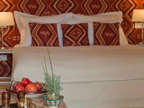 Doppelzimmer mit direktem Zugang zum Garten Hotel & Restaurant Jardi D'Artà 11