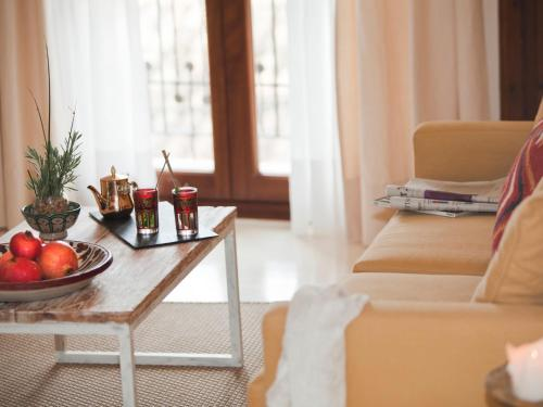 Doppelzimmer mit direktem Zugang zum Garten Hotel & Restaurant Jardi D'Artà 12