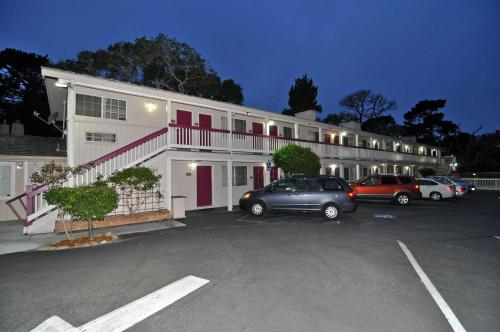 Pelican Inn - Monterey, CA 93940