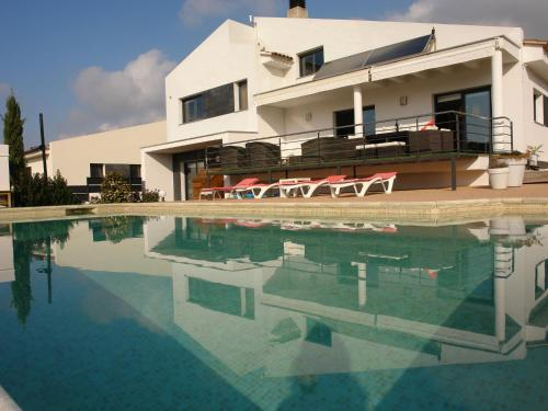 Beautiful, elegant and spacious villa with private pool in Alt Empordà