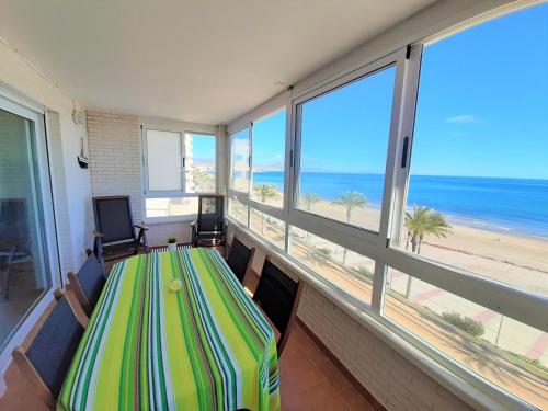 . Apartamento de lujo CasaTuris en 1º línea de playa Muchavista C103