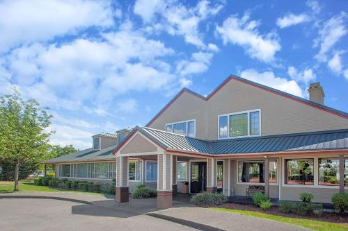 Hawthorn Suites by Wyndham Kent, WA - Accommodation - Kent