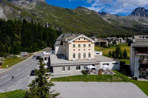 Hotel Maloja Kulm - Accommodation - Maloja