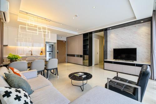 . The Millennium Arrivals-Luxury service apartment-10 stars -Best infinity pool - Bui Vien, Ben Thanh
