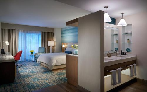 Seminole Hard Rock Hotel & Casino Hollywood - image 3