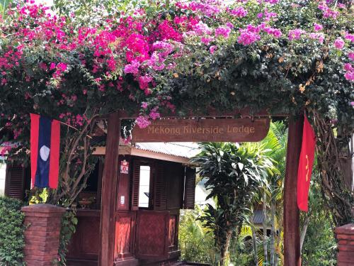 . Mekong Riverside Lodge