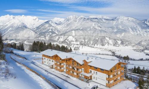 . Skylodge Alpine Homes