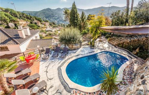 . Beautiful apartment in Argentona w/ Outdoor swimming pool, WiFi and 3 Bedrooms