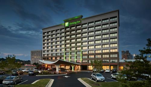 Holiday Inn Alexandria at Carlyle