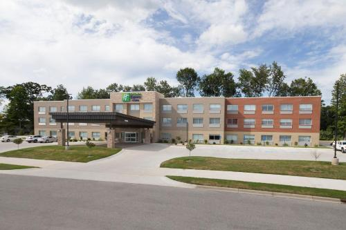 Holiday Inn Express & Suites - Michigan City