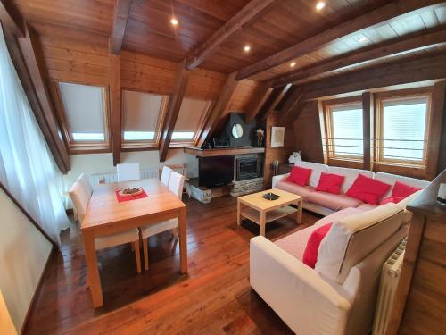 Accommodation in Naut Aran