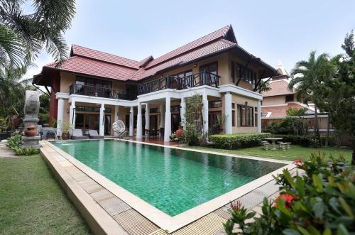 Luxury 3Bed Thai Bali Pool villa Pattaya Luxury 3Bed Thai Bali Pool villa Pattaya