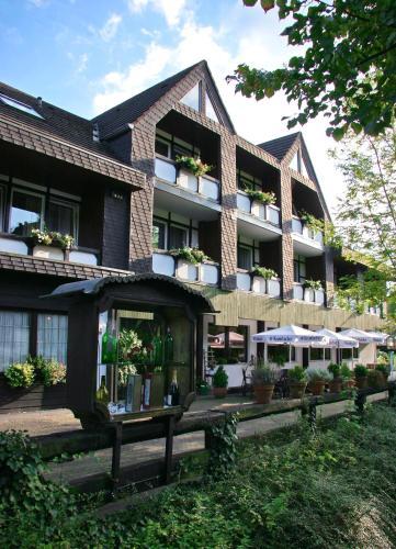 Landhotel Laarmann - Hotel - Lennestadt