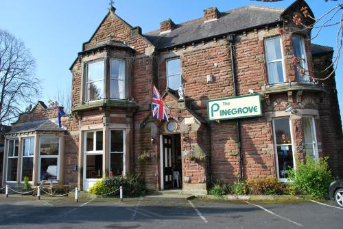 . Pinegrove Hotel
