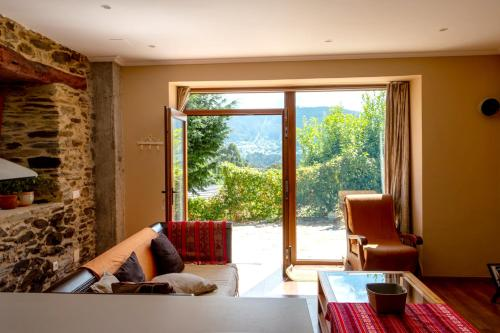 . Apartment with 3 bedrooms in Viveiro with wonderful mountain view terrace and WiFi 2 km from the beach