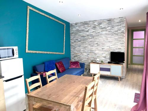 Apartment with 2 bedrooms in Meaux with furnished terrace and WiFi - Location saisonnière - Meaux