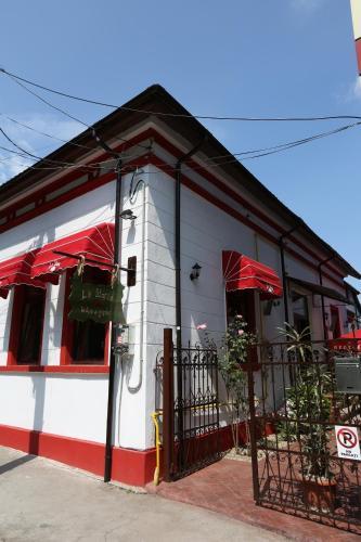. La Storia Guest House