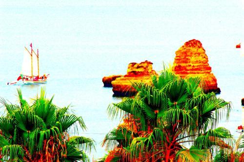 Amazing Sea View w/ 2 Bdr Ideal 4 Families w/ WiFi