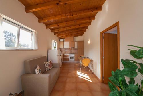 A14 - Cozy Torraltinha Apartment