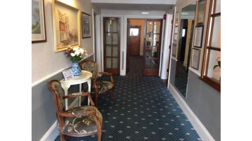 Runnymede Court Hotel - Photo 4 of 23