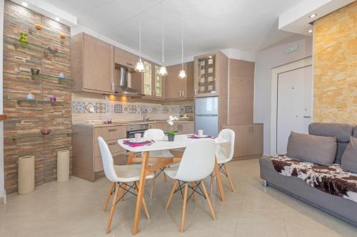 Spacious apartment for 4 in the center of Rhodes, Pension in Rhodos