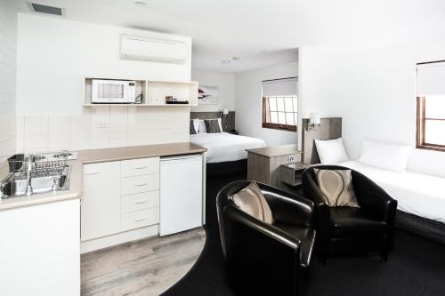 . Bay Hotel Apartments (Previously Apartments at Woolmers)