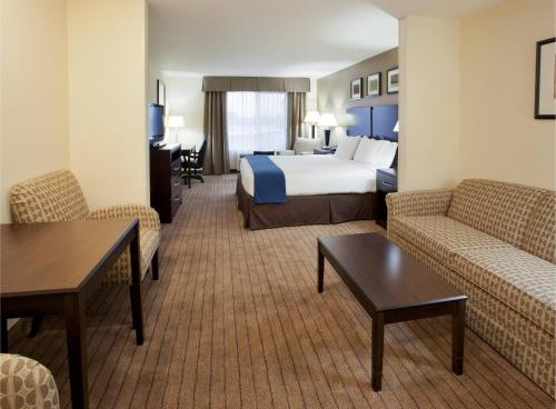 Holiday Inn Express Hotel & Suites Merced - Merced, CA 95341