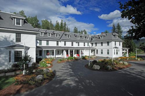 Accommodation in Bretton Woods