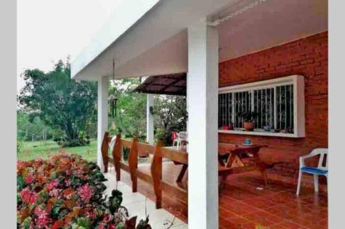 Casa de campo la Gaitana, Mesa de los Santos