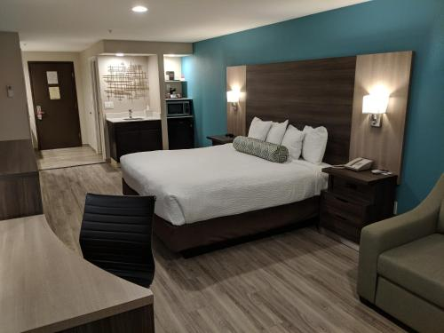 . Yosemite Southgate Hotel & Suites