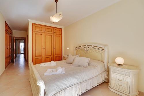 Quarteira Central Apartment by Homing